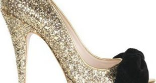 تفسير حلم لبس الحذاء العالي , رؤيه الحذاء فى المنام