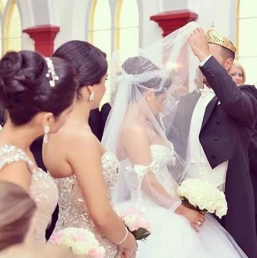 صوره تفسير حلم الزواج من مطلقة