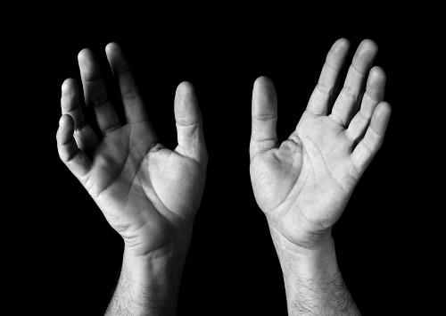 صوره اسباب سخونة اليدين , ماهو السبب المؤدى الى ارتفاع حراره الكفين