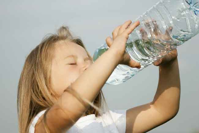 صور شرب الماء في المنام للعزباء