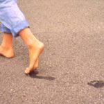 صور فوائد المشي على الرمل , معقول لو مشيت على الرمل هيحصل كدة