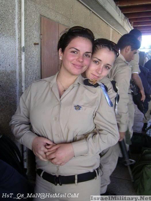 صوره صور بنات بملابس الجيش