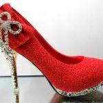 تفسير حلم لبس حذاء احمر , حلم الحزاء الاحمر