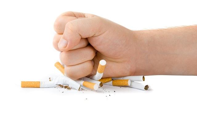 صوره تقرير حول ظاهرة انتشار التدخين بين الاطفال واليافعين , شبابك بين ابديك