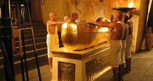 صور داخل اهرامات مصر
