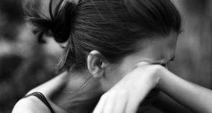 صور فتاة حزينة