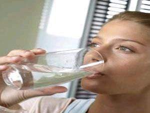 هل الماء الساخن ينقص الوزن