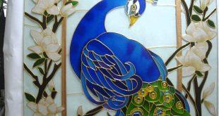 صور رسم طاووس على الزجاج