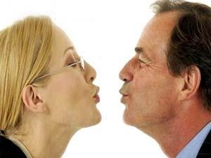 هل القبلة ضرورية بين الحبيبين