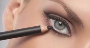 طريقة رسم العين بالكحل القلم