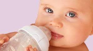 صور هل اعطي طفلي الرضيع ماء