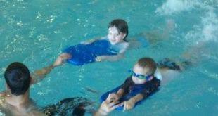 صوره طريقة تعلم السباحة بالصور