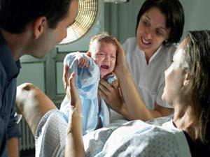 لحظة ولادة المراة