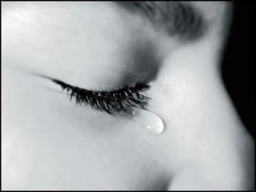 صور تفسير حلم البكاء , عيطى فى الحلم كتير و محتارة تفسيرة اى