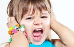 صور كيفية التعامل مع الطفل العصبي