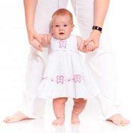 بالصور تدريب الطفل على المشي 8777