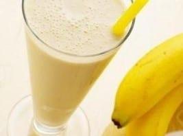 طريقة تحضير عصير الموز بالحليب , اسهل و اسرع طريقة لعمل عصير موز بالبن