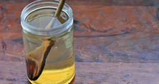 فوائد شرب الماء الدافئ مع العسل على الريق