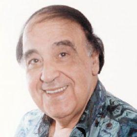 الفنان حسن مصطفى