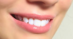 صور تفسير حلم خروج الدم من الاسنان