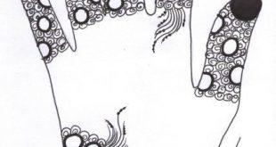 صورة كيفية رسم الحنة السوداء على اليد