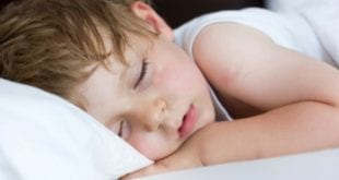 صورة اسباب التعرق عند النوم