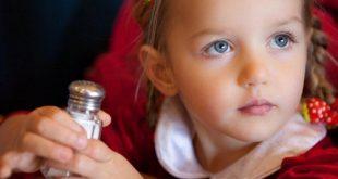 علاج زيادة الاملاح عند الاطفال