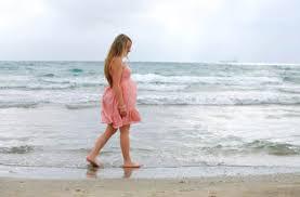 فوائد المشي للحامل في الشهر الاخير