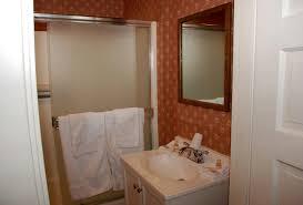 صورة النوم في الحمام في المنام , تفسبر رؤيه النوم فى الحمام