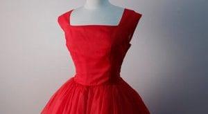 صورة تفسير حلم اللباس الاحمر , قلقانه علشان حلمتى انك لابسه فستان احمر تعالى اقولك تفسيرة اى