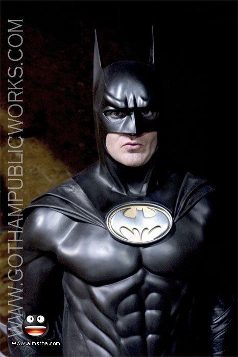 صورة صور بات مان , باتمان جنن العالم تعال خذ شوية صور وخلفيت للوطواط