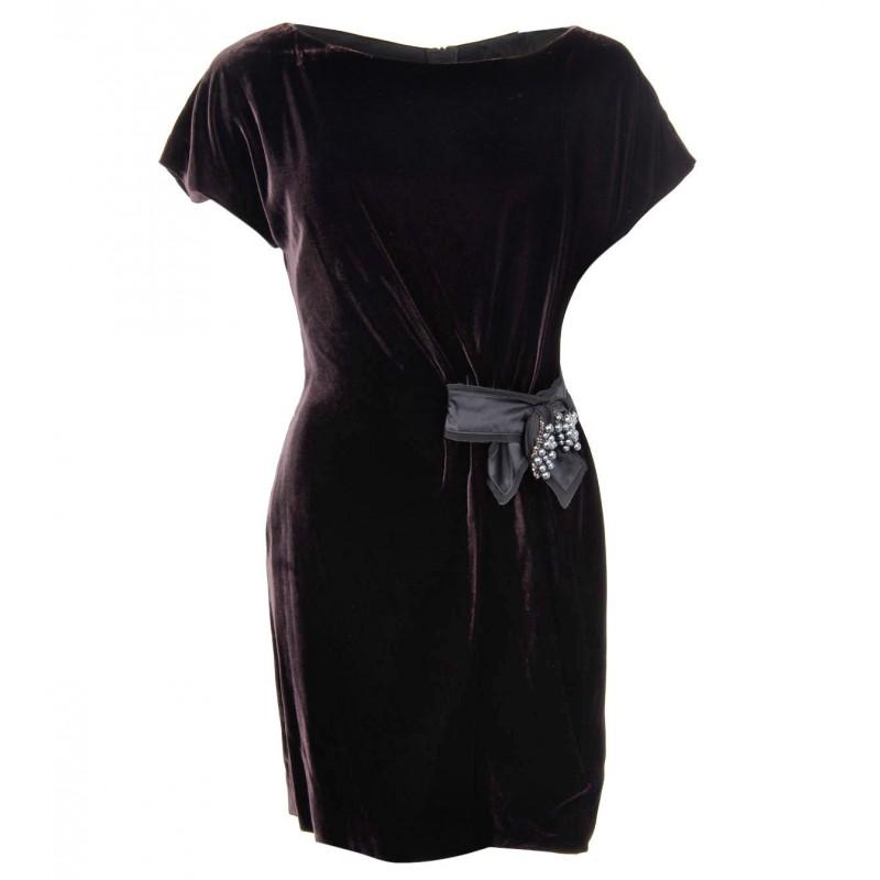 بالصور موديلات فساتين مخمل جديده , صيحه جديده فستان مخملى 13990