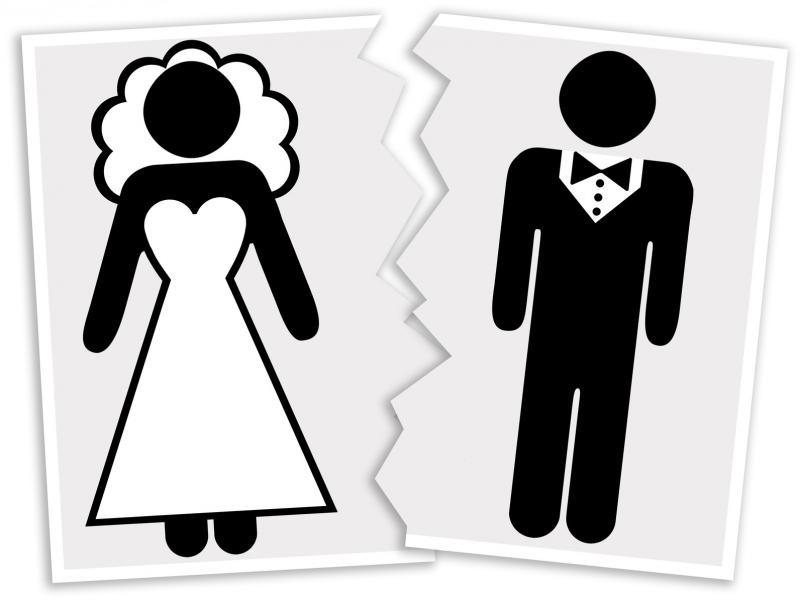 صور مها الصغير ويكيبيديا , طلاق مها الصغير