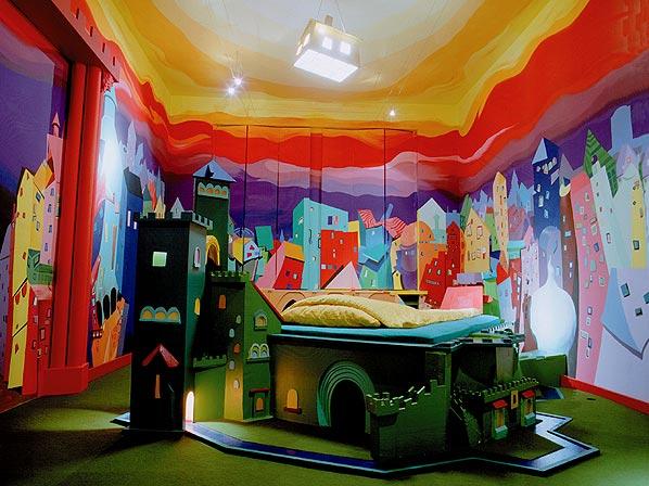صورة غرف نوم عجيبة وغريبة , اغرب ديكورات غرف النوم