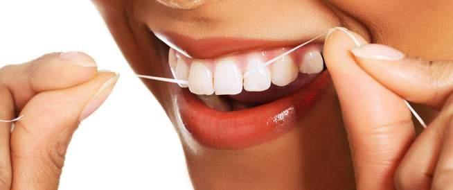 بالصور لماذا ينصح الاطباء باستخدام الخيط السني , اهم فوائد تنظيف الاسنان بالخيط 74864 1
