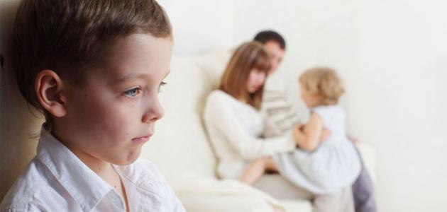 صوره كيف تتعامل مع الطفل الغيور , اسهل طرق التعامل مع طفلك الغيور