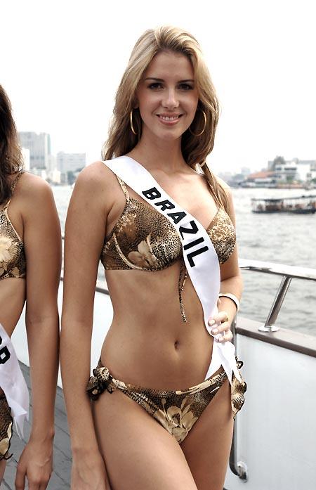 بالصور ملكة جمال البرازيل , رونالدو وملكة جمال البرازيل 74905 2