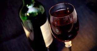 صوره الخمر في الحلم , تفسير رؤية الخمر فى المنام وشربها