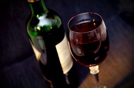 صورة الخمر في الحلم , تفسير رؤية الخمر فى المنام وشربها
