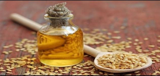 صورة فوائد زيت الخروع وزيت السمسم للشعر , فوائد مذهلة لزيت الخروع وزيت السمسم فى تطويل الشعر